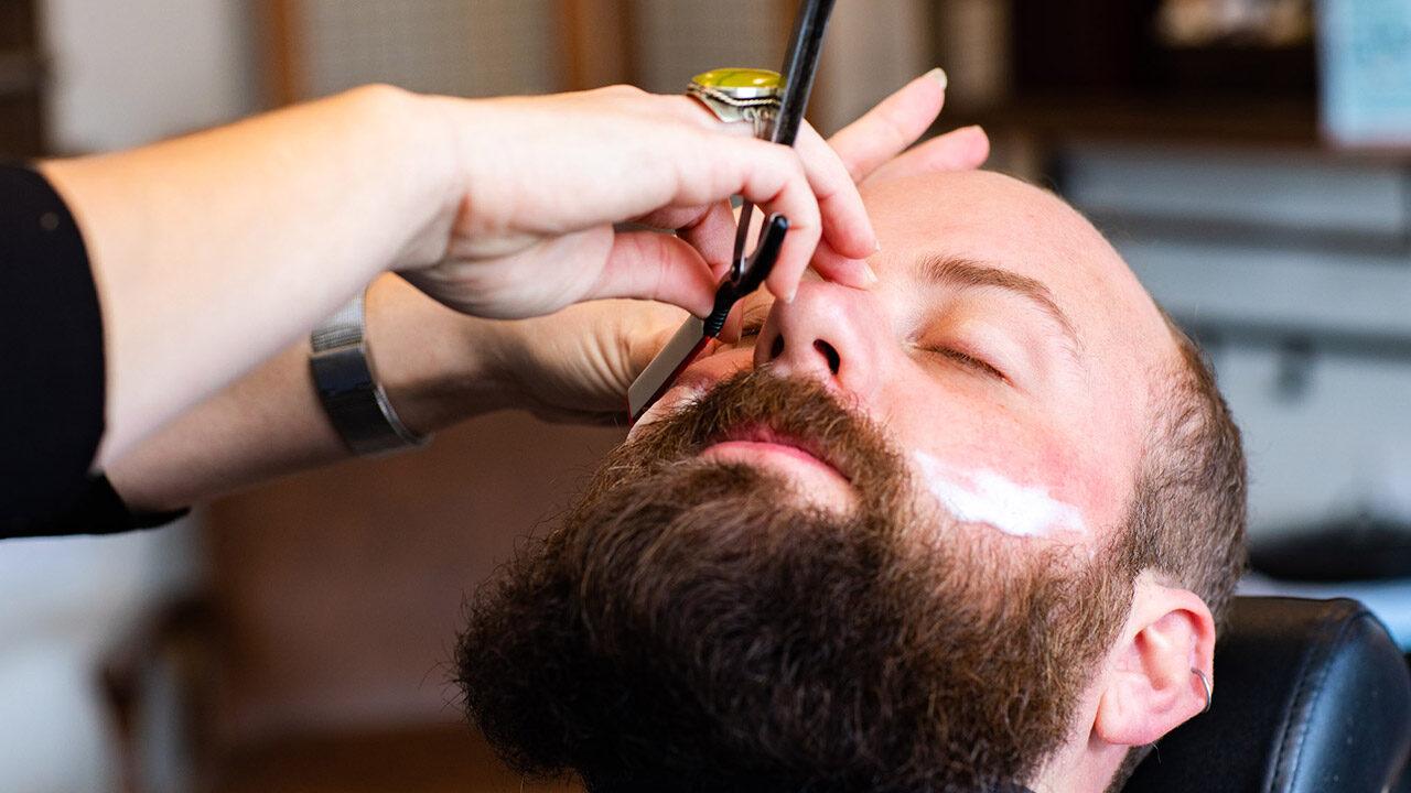Stache Grooming Lounge Straight Razor Cut